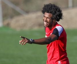Caiuby Francisco da Silva (FC Augsburg #30), gut gelaunt, FC Augsburg, Trainingslager, Estepona, Saison 2015-2016, 12.01.2016