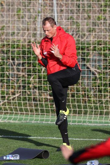 Alexander Manninger (Torwart FC Augsburg #1) ganz in sich gekehrt, FC Augsburg, Trainingslager, Estepona, Saison 2015-2016, 13.01.2016