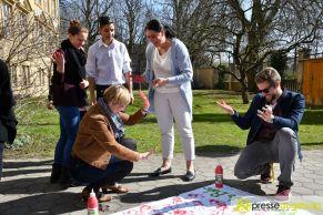 2017-03-17-Red-Hand-Day-–-19 Kinder sind keine Soldaten!   Schüler der Schillerschule und der Hans-Adlhoch-Schule setzen sich für Frieden ein Augsburg Stadt News Politik Hans-Adlhoch-Schule Red-Hand-Day Schillerschule Ulrike Bahr  Presse Augsburg