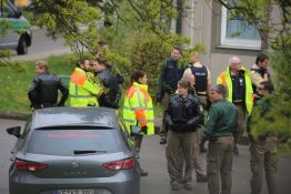 20140414_Unterallgaeu_Memmingerberg_Asylunterkunft_Allgaeu-Airport_Polizeieinsatz_Poeppel_0006