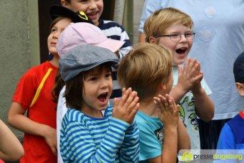 "2017-07-14-Kasperl-Ampel-–-19 ""Jetz kosch gea!"" | Augsburg hat nun eine Kasperl-Ampel Augsburg Stadt Bildergalerien Kunst & Kultur News Newsletter Ampel Augsburger Puppenkiste Kasperl |Presse Augsburg"
