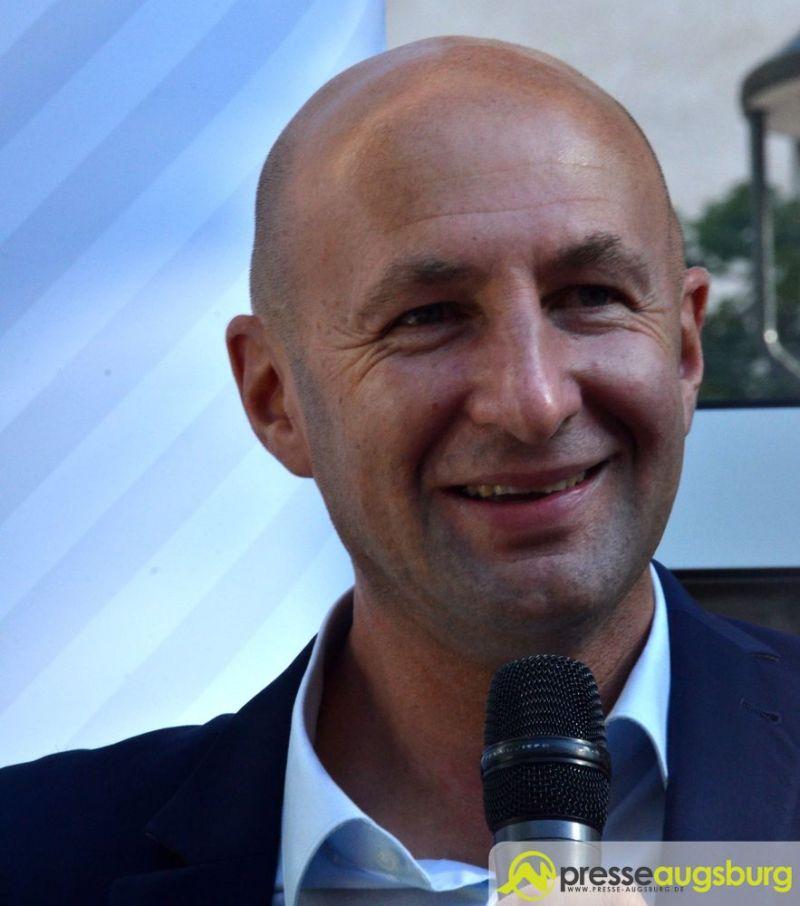 Klaus Hofmann steter tropfen höhlt den stein fc augsburg präsident klaus