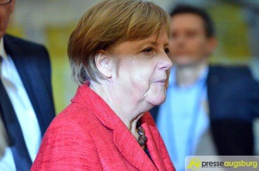 Angela Merkel stehen schwere Wochen bevor | Foto: Dominik Mesch