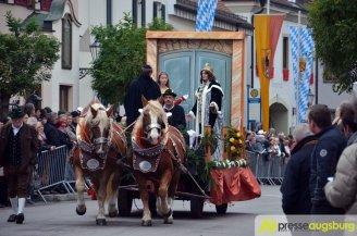 Die zahlreichen Motivwagen machen den Umzug in Inchenhofen zu etwas besonderem | Foto: Dominik Mesch