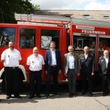 Bild 1 Übergabe Feuerwehrfahrzeug