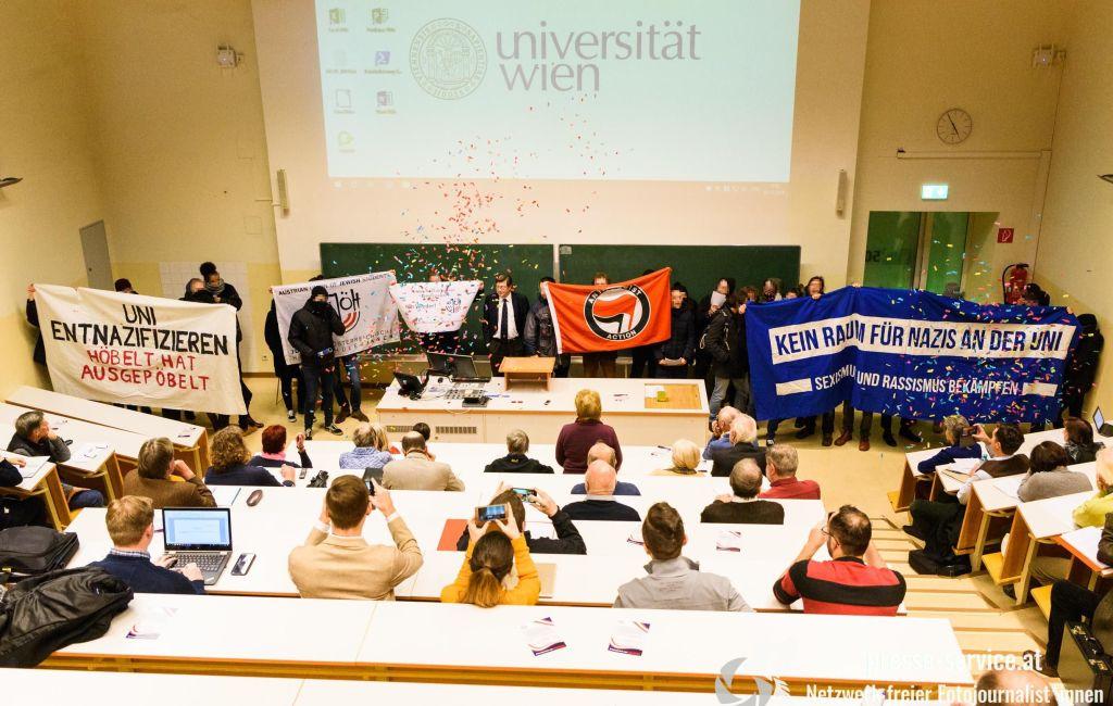 Protest bei Vorlesung von Lothar Höbelt an der Universität Wien (03.12.2019)