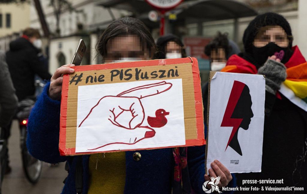 Wien: Demonstrationen vor der polnischen Botschaft (07.02.2021)