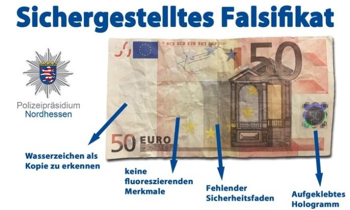 Das Foto zeigt den sichergestellten 50 Euro Schein mit Hinweisen zu den fehlenden Sicherheitsmerkmalen.