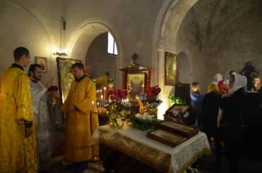 Momento della Liturgia Cagliari Padre Mikhail Povaliaev 2