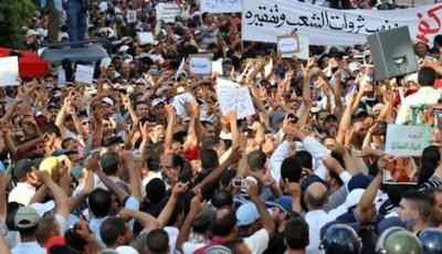 """عشر سنوات على """"20 فبراير"""".. البراهمة: الاستبداد يتفاقم والوضع قابل للانفجار في المغرب"""