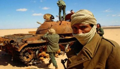"""""""البوليساريو"""" ترد على مقتل قيادي عسكري بـ""""قصفات"""" وهمية في الصحراء"""