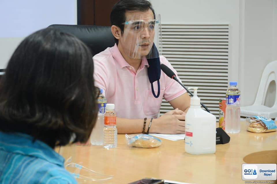 Manila to give food assistance to families of Covid-19-positive drivers, vendors