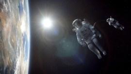 Gravity-©-2013-Warner-Bros.(14)