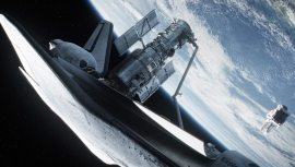 Gravity-©-2013-Warner-Bros.(2)