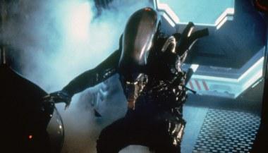 Alien-(c)-1979,-2012-20th-Century-Fox-Home-Entertainment(7)