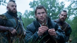 The-Huntsman-&-The-Ice-Queen-(c)-2016-Universal-Pictures(1)