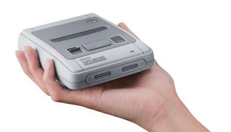 SNES-Mini-Classic-(c)-2017-Nintendo-(2)