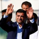Лидерът на прокюрдската партия в Турция отказа да се яви в съда с белезници