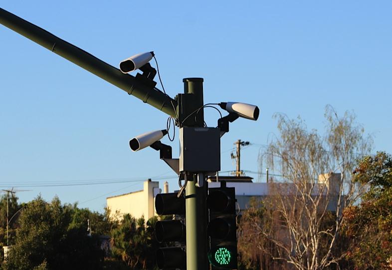ALPR камера - снима регистрационните номера на автомобилите