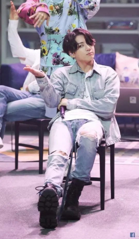 """Jungkook of BTS looks handsome and manly in """"Bang Bang Con Sketch Photo"""""""