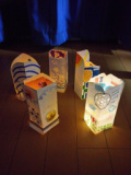 1600589 thum 1 - 世界にひとつだけをつくろう日本の夏を感じよう!牛乳パックで灯篭を作ろう