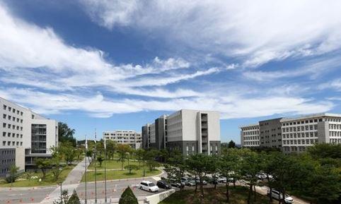 0523 06 1 - 明知大学の明知学院 破産申し立てられる 学生2.6万人 シルバータウン開発