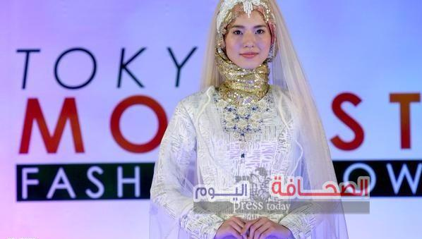 A model presents a creation by designer Lynn Siregar from her brand Weddingku Gallery during Tokyo Modest Fashion Show, Muslim fashion show, at Halal Expo Japan in Tokyo, Japan, November 22, 2016. REUTERS/Toru Hanai