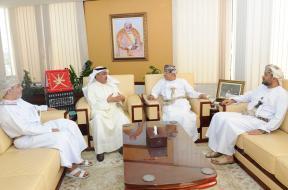 وزير الإعلام العُماني يبحث تعزيز التعاون الإعلامي مع اتحاد الصحفيين العرب