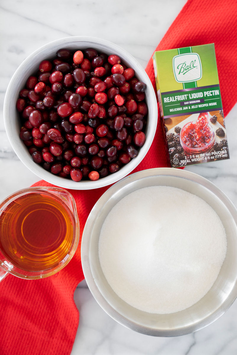 ingredients for fresh cranberry jelly with liquid pectin