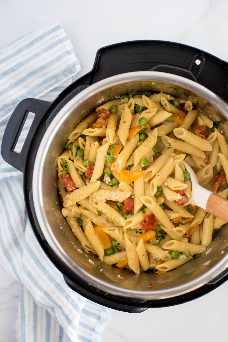 cooked pasta primavera in an instant pot