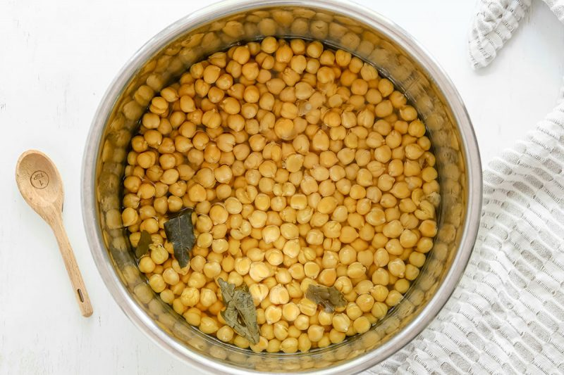 cooked chickpeas in an instant pot with bay leaves