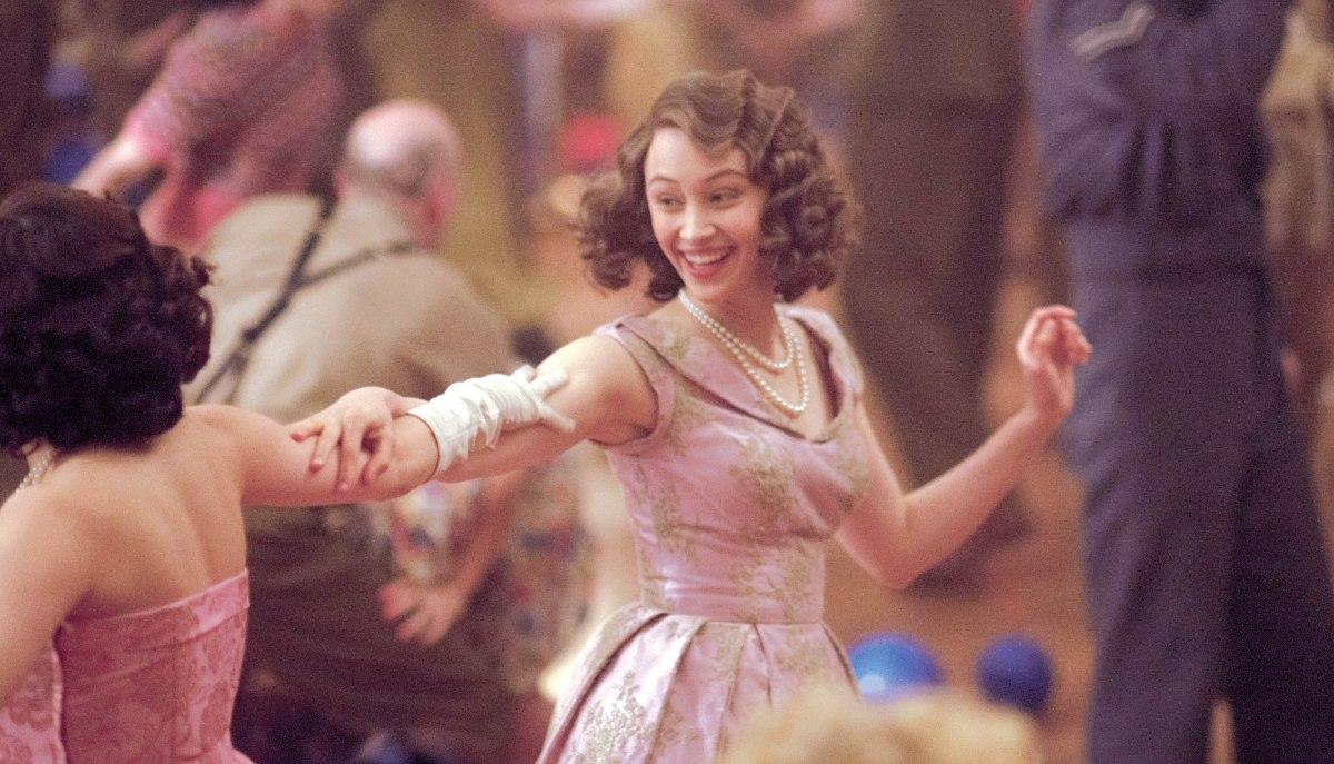 史実に基づく19歳のエリザベス女王のお忍びの一夜!映画「ロイヤル・ナイト 英国王女の秘密の外出」6月4日初日公開決定!