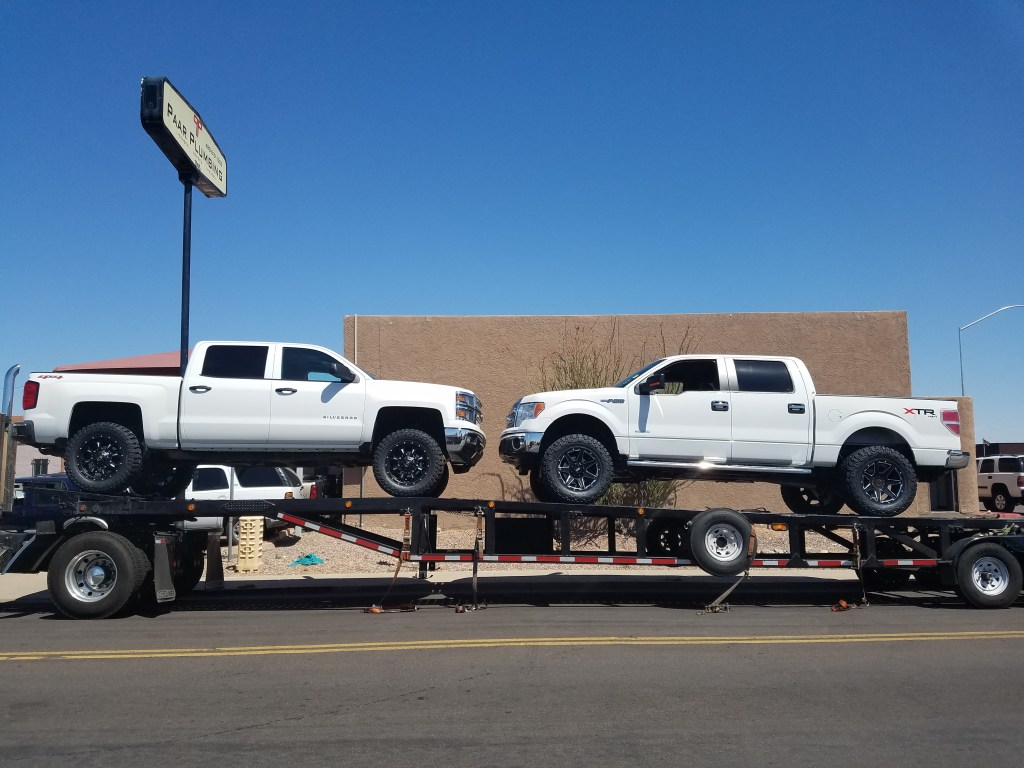 2014 CHEVY 1500 4X4 WITH A 6 BDS SUSPENSION LIFT KIT AND 35 MUD TIRES WITH 20 BLACK WHEELS (1)