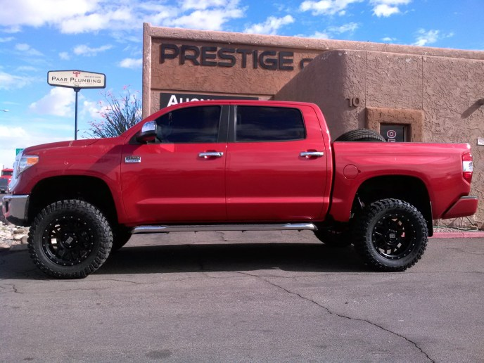 2014 TOYOTA TUNDRA WITH A 6 PRO COMP SUSPENSION LIFT KIT AND 20 WHEELS AND TIRES 35 (3)