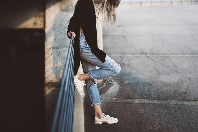 comment bien porter un jean taille haute