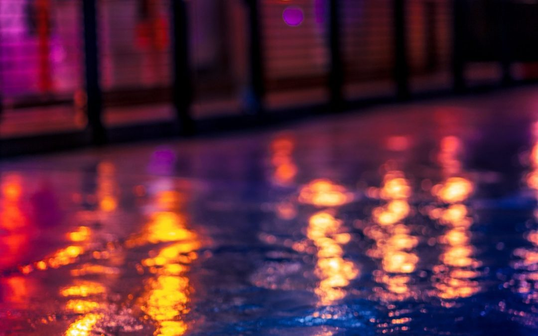 Preparing Your Pool For Summer Entertaining With Outdoor Lighting