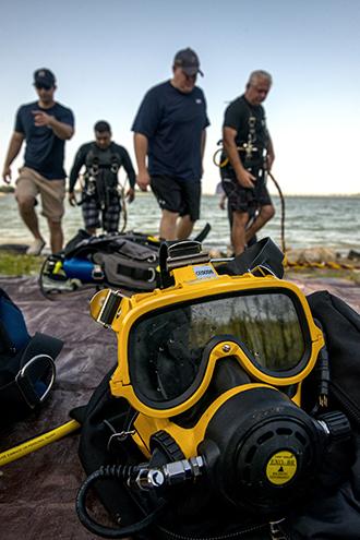 w14.08.22-LH-FEAT-Police-Divers-DFulgencio-0122