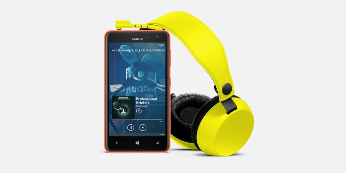 Nokia-Lumia-625-and-Coloud
