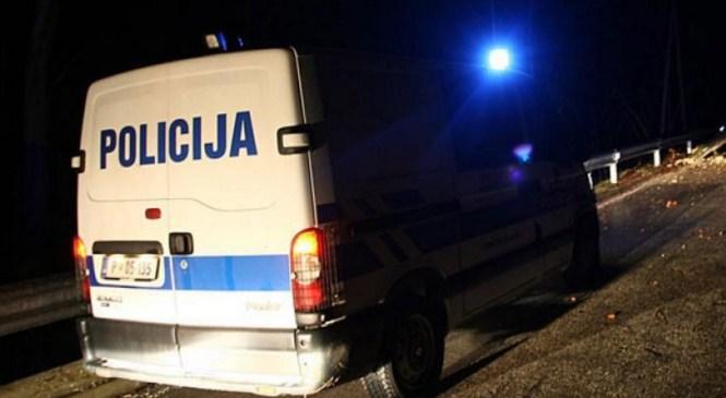 V avtomobilu prevažal ilegalne migrante in pobegnil