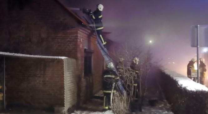 V Hrastniku zagorelo ostrešje stanovanjske hiše