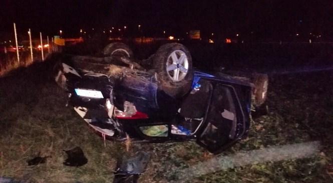 Voznik zapeljal v globel in na kraju nesreče umrl