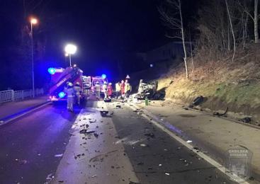 V prometni nesreči hudo poškodovan voznik osebnega avtomobila