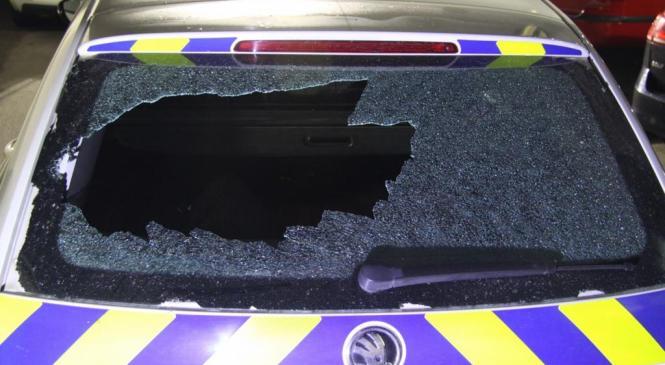 Prijeli osumljence, ki so med interveniranjem napadli policiste