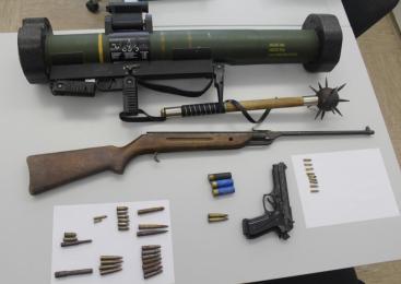 Trebanjski policisti zasegli orožje in prepovedano konopljo