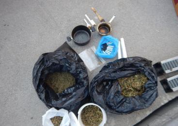 Litijski policisti preiskujejo kaznivo dejanje s področja prepovedanih drog