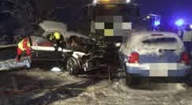 Na ljubljanskem koncu kar 26 prometnih nesreč na zasneženih cestah