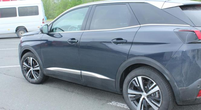 Pince: Lendavski policisti odkrili ukradeno vozilo Peugeot 3008