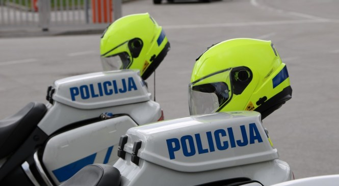 Ljubljanski policisti v preteklih dveh dneh obravnavali 58 prometnih nesreč in kar 92 kršitev javnega reda in miru