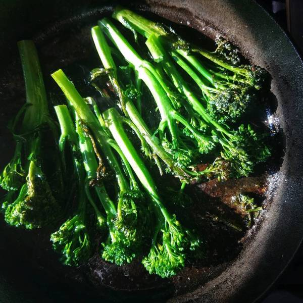 When the light hits your broccolini juuuussst right Happy Sthellip