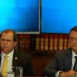 Bolsonaro nomeia coronel que partipou de live com mentira sobre urnas para cargo no governo